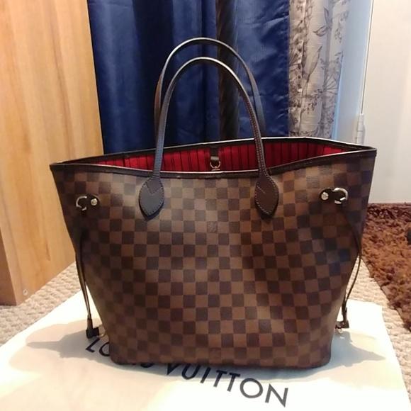 e1dc03f004bce Louis Vuitton Handbags - Authentic Louis Vuitton MM Neverfull Damier Ebene